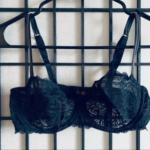 Chantelle black lace full coverage bra sz 36C